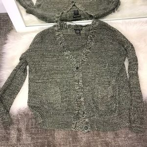 OLIVE GREEN CARDIGAN SIZE SMALL